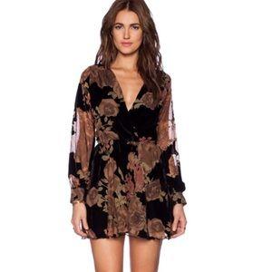 Flynn skye - Elle size 2 burnout mini dress